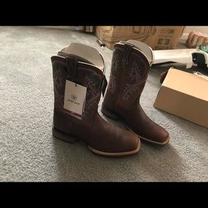 Ariat Boots (BRAND NEW) Size 9 1/2